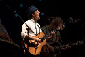 Jason Mraz Brings Friends, Music, and Laughter to Stifel Theatre